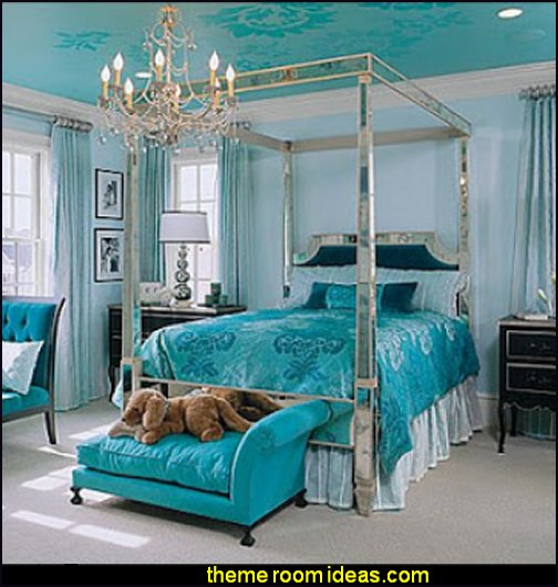 glamor furnishings Hollywood glam themed bedroom ideas - Marilyn Monroe Old Hollywood Decor - Hollywood Vanity Mirrors - Hollywood theme decor- decorating Hollywood glam style bedrooms - Hollywood glam furniture - Hollywood At Home - Lighted Make-up Vanity - mirrored furniture
