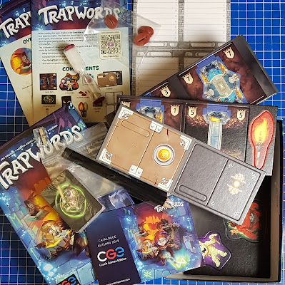 Trapwords game review box contents