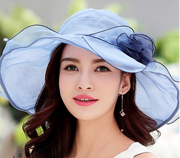 This Pretty Lightweight Double Brimmed Hat Is Ornamented With A Large Flower Available In Blue Pink Which Looks More Like Purple And Light Brown
