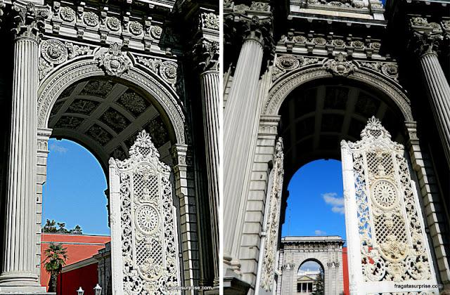 Detalhe dos portões do Palácio de Dolmabahçe, Istambul