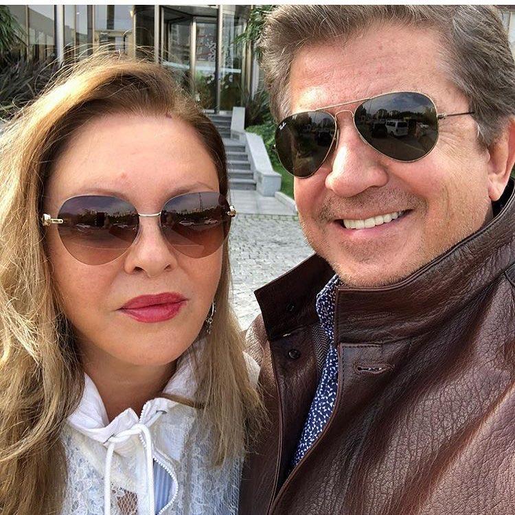 وليد توفيق وزوجته جورجينا رزق ملكة جمال الكون خلال إجازتهما في تركيا