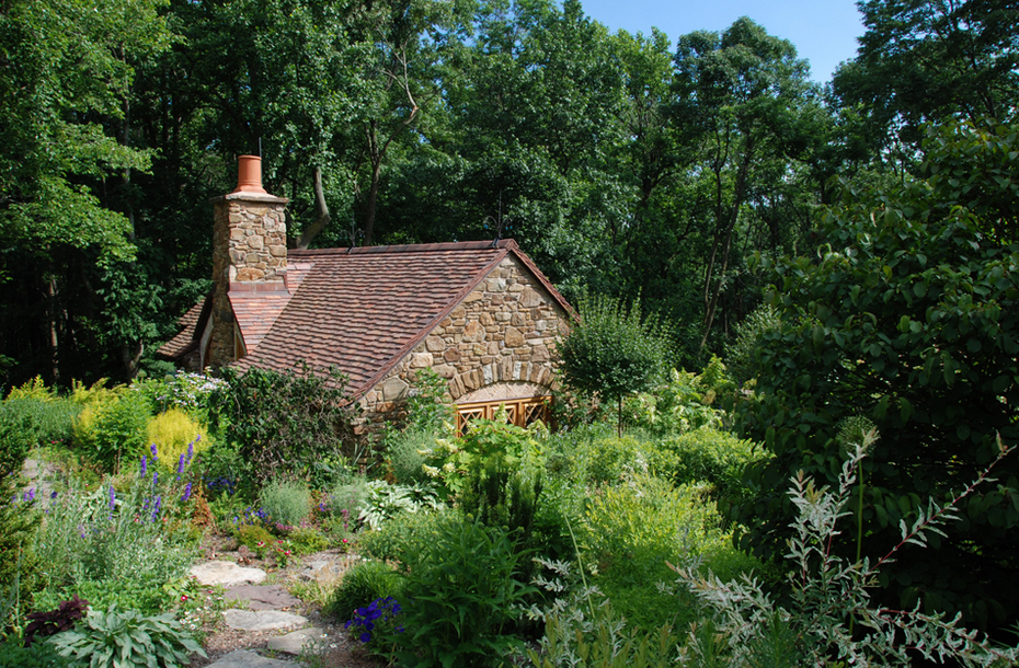 11-Archer-&-Buchanan-Architects-Hobbit-&-LotR-Cottage-JRR-Tolkien-www-designstack-co