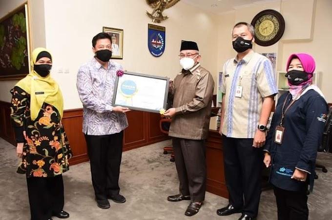 Walikota Terima Penghargaan dari BPS