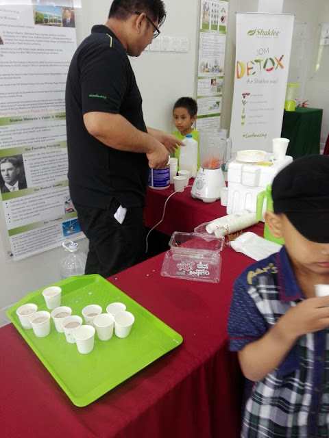 Shaklee health fair esp smoothies