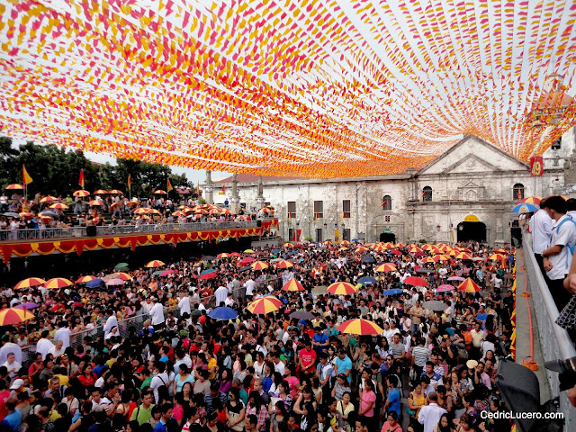 The crowd during the Novena Mass at Basilica del Sto. Niño - Cebu.