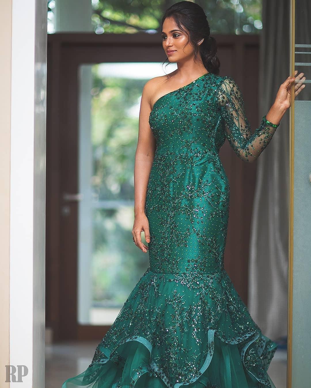 South Indian Actress Ramya Pandian Looking Hot in Green Dress