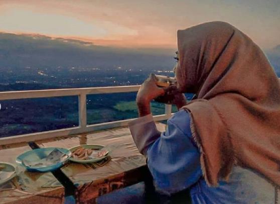 Sunset di Bukit Bintang Jogja