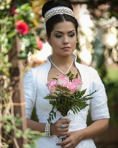 Escrava mãe, vestido de noiva da Maria Izabel (Thais Fersoza) figurino