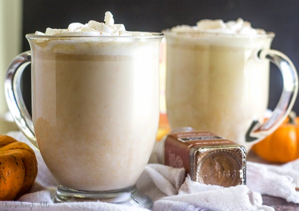 Slow Cooker Pumpkin White Hot Chocolate #drinks #hotsmoothie