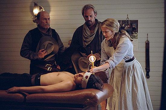 Robert Duvall, Kevin Costner, Diego Luna y Annette Bening
