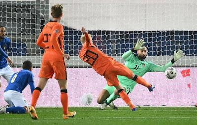 هولندا تنتزع نقطة من ايطاليا في دوري الأمم الأوروبية