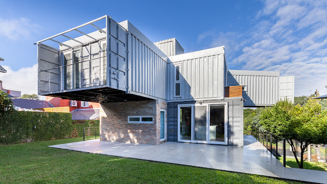 Casa Conteiner RD - 350 sqm Two Story Shipping Container Home, Brazil 32