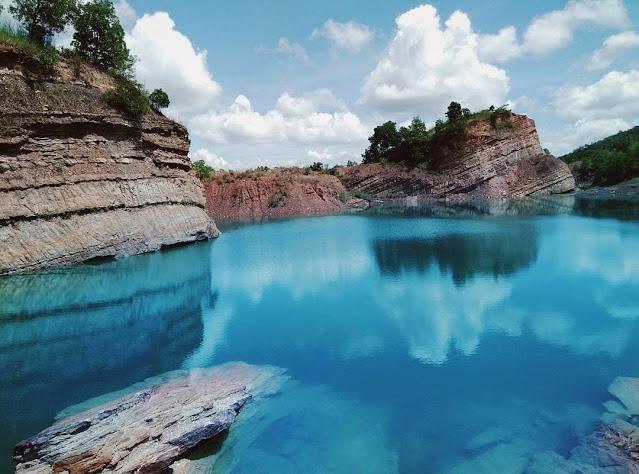 Danau Biru Tewang Pajangan