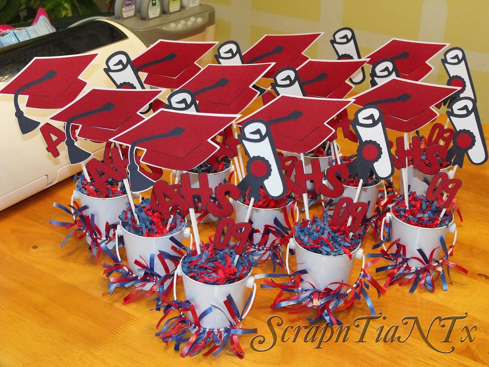 A Scrapn Tia N Tx Graduation Centerpieces