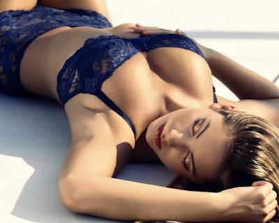 Hot sexy girl big tits