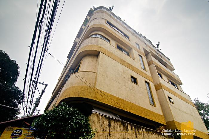 Pink Hostel Manila Facade