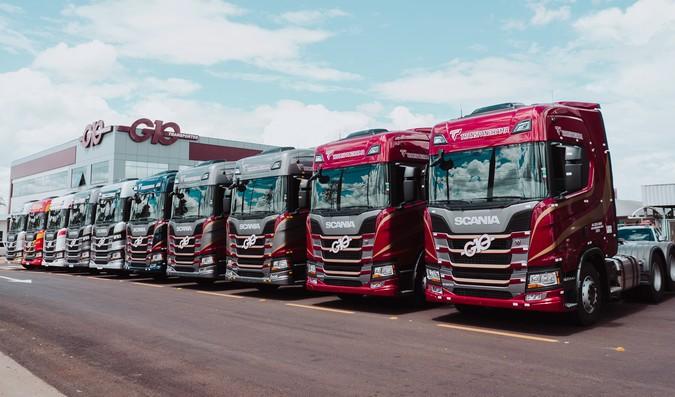 Grupo G10 compra 200 caminhões Scania R500 e R540