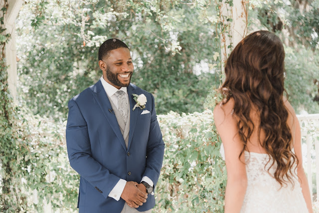 grooms first look reaction