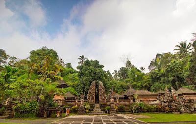 Objek Wisata Pure Gunung Kawi Sebatu