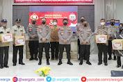 Alumni Akpol 91 Polda Sulsel Beri Bantuan Paket Sembako ke Purnawirawan dan Warakawuri Polri