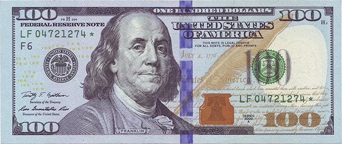 Купюры долларов США номиналом в 100$