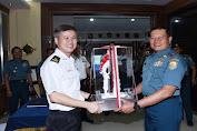 Pangkoarmada I Terima Kunjungan Kehormatan Commander MSTF RSN RADM Seah Poh Yean