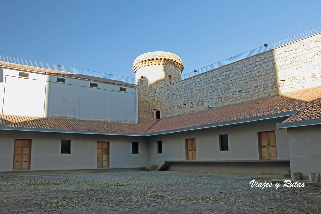 Patio del Castillo de Torrelobatón