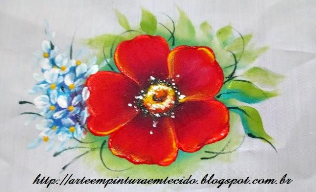 flor pintada a mão