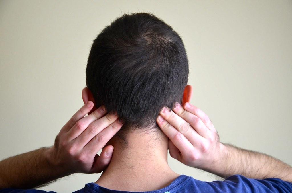ألم في الجزء الخلفي من الرأس 5 أسباب مع العلاج