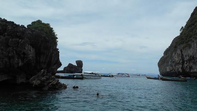 у островов Пхи-Пхи