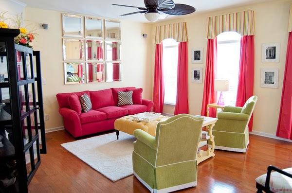 sala con muebles rosa