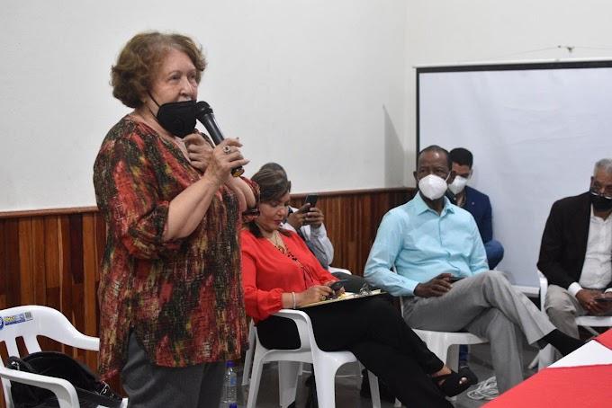 BARAHONA: La Gobernación Provincial realiza asamblea con la presencia de la Ministra de Estado de la Presidencia Geanilda Vásquez,