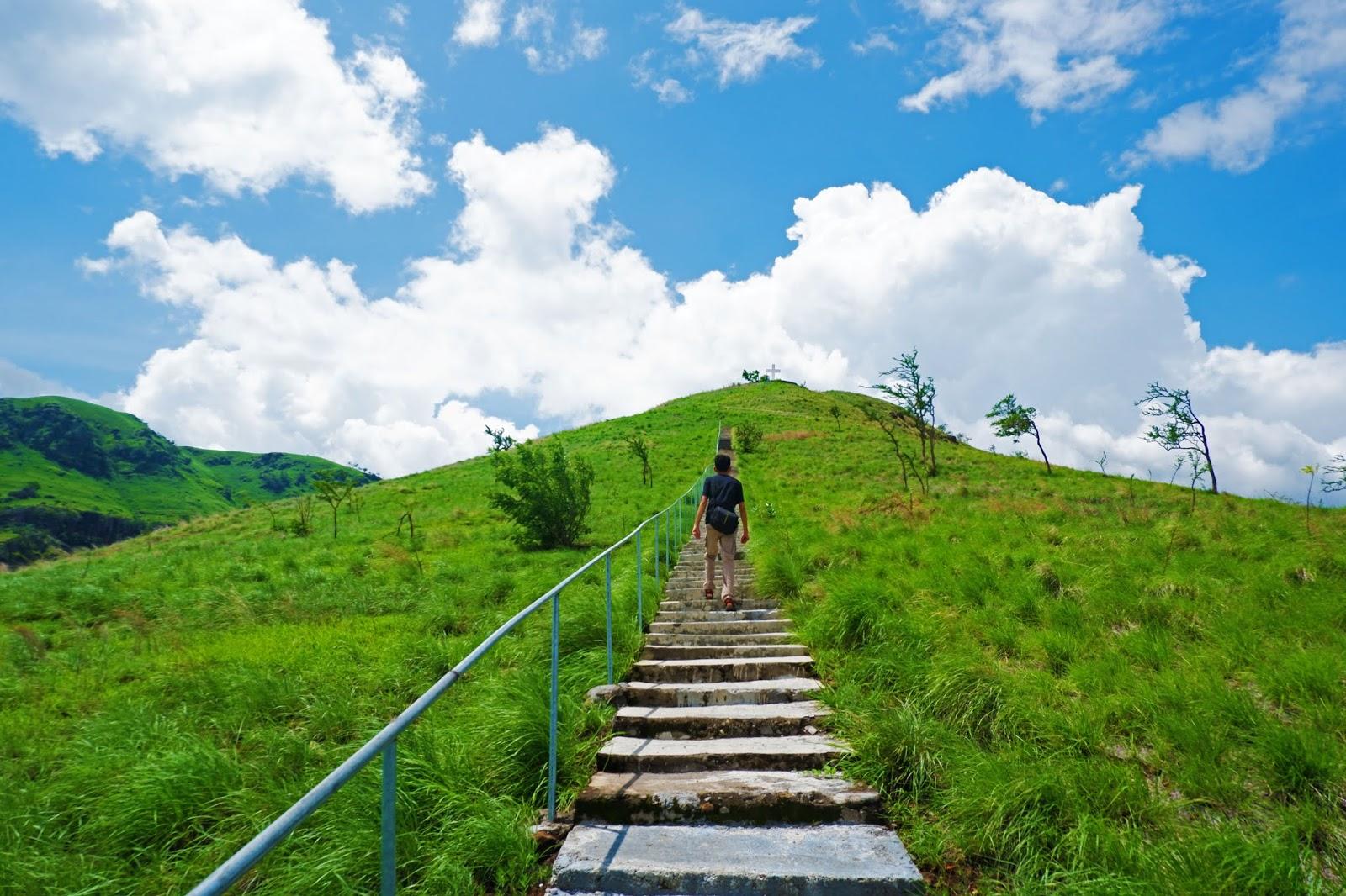 tangga bukit kajuwulu