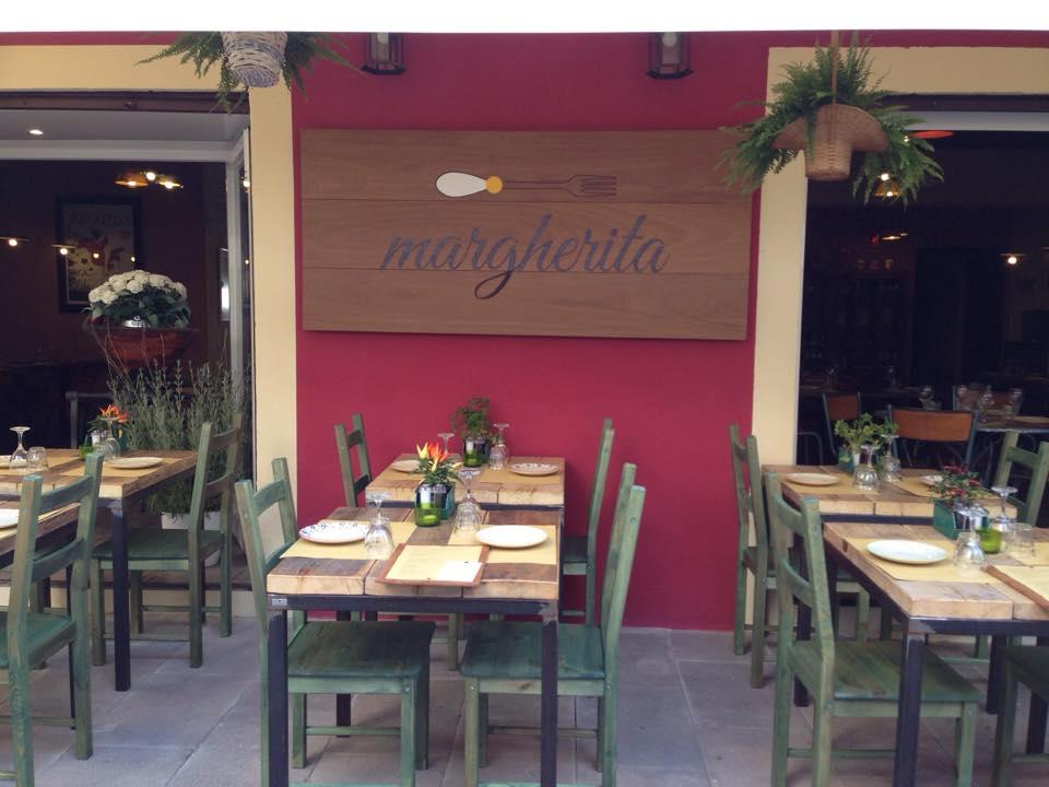 Un ristorante a ibiza la nuova vita della cantante yu yu for Ibiza ristorante milano