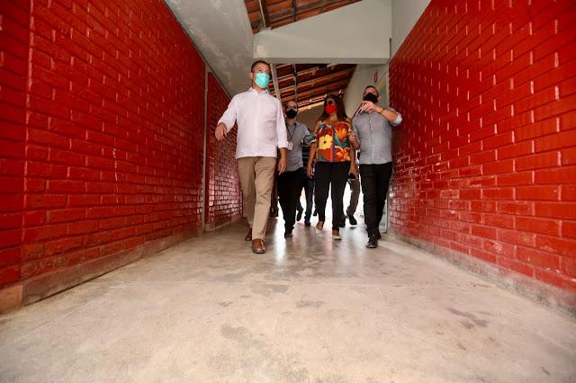 RUI COSTA VISITA O COLÉGIO ESTADUAL POLIVALENTE DE ITAMBÉ E ANUNCIA NOVOS INVESTIMENTOS NA UNIDADE