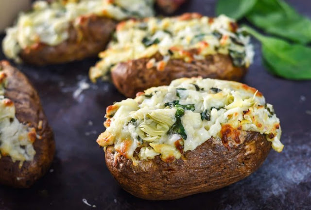 Spinach Artichoke Twice Baked Potatoes #Paleo #Whole30