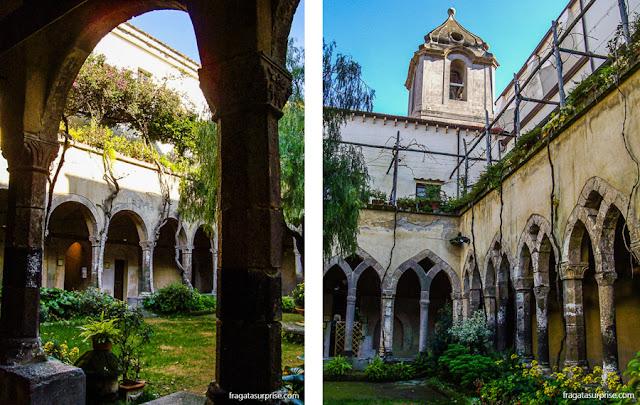Claustro da Igreja de São Francisco, em Sorrento, Itália
