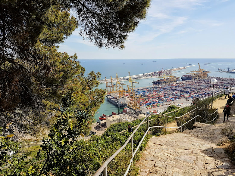 蒙錐克山上眺望地中海以及港口