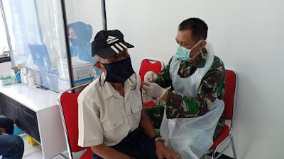 Keluarga Besar TNI, Purnawirawan dan Warakawuri Korem 071/Wijayakusuma di Vaksin