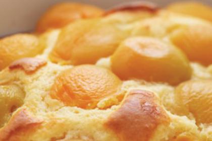 Buat Puding Yuk, Ini Cara Membuat Resep Pudding Roti Saus Apricot