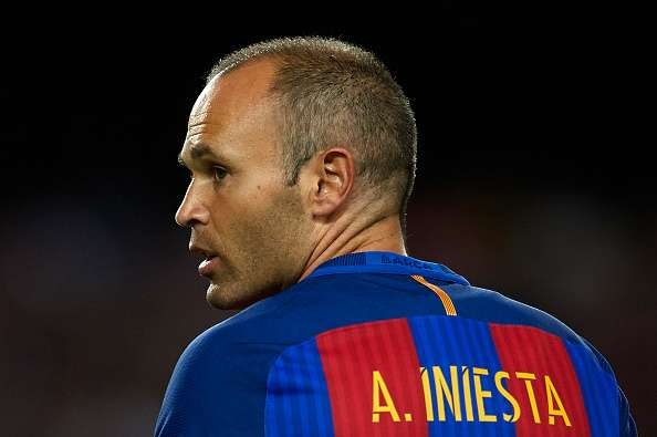 I'm not agreeing new deal with Barcelona – Iniesta