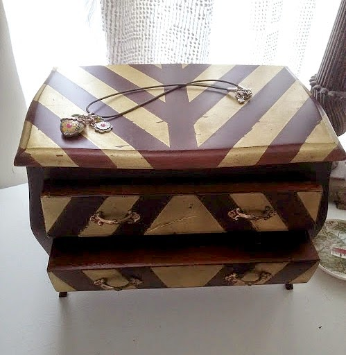 update a jewelry box with painted stripes