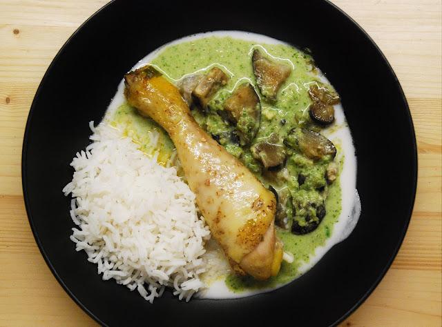 Poulet aux aubergines et au curry vert