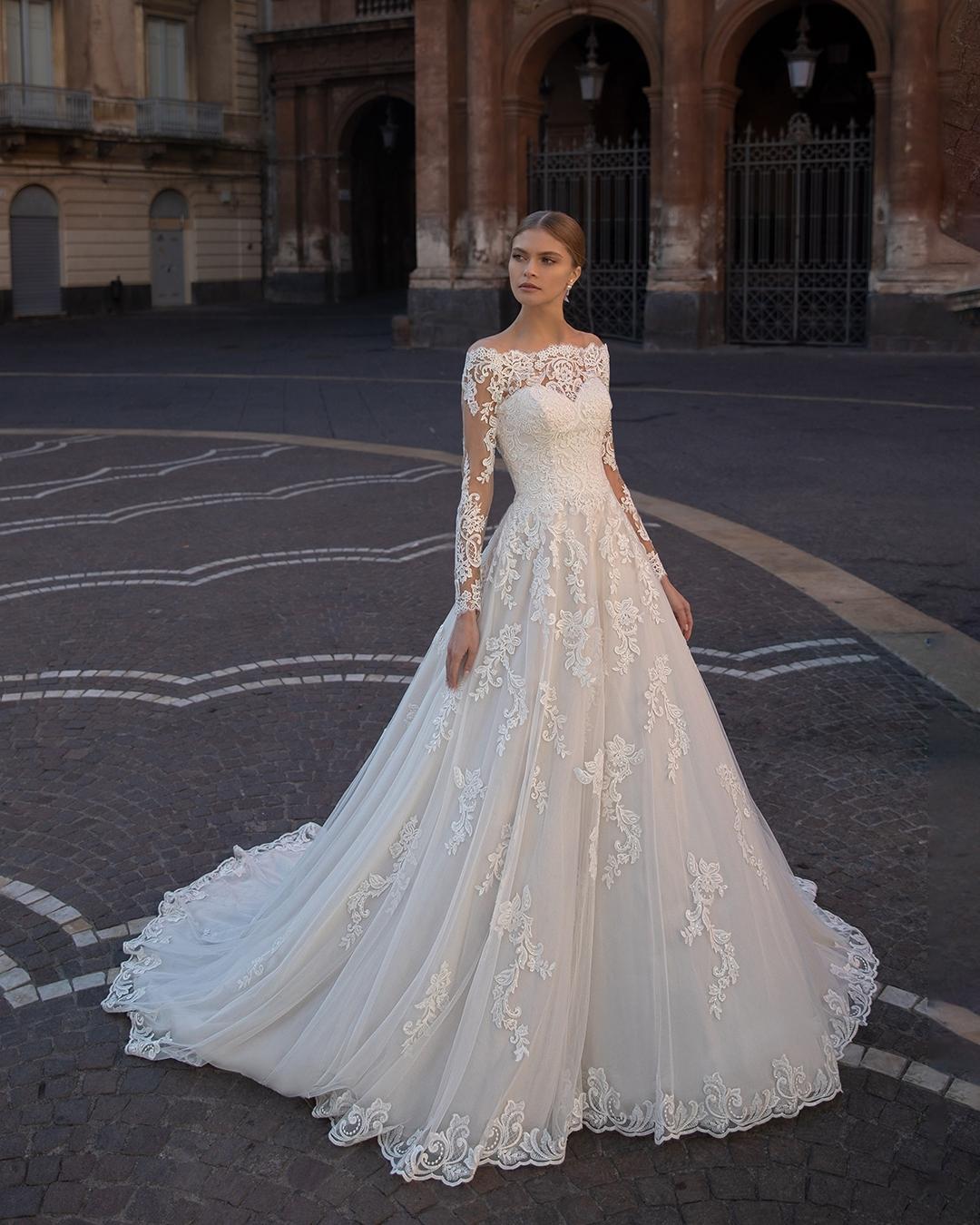 Romantic wedding dress illy