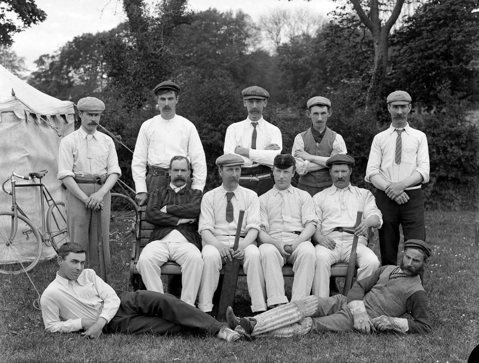 Cricket players. 1902.