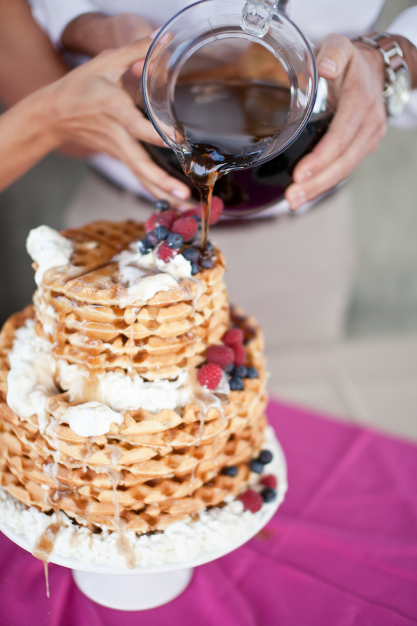 alternative+wedding+offbeat+morning+early+sunrise+breakfast+brunch+hike+hiking+rustic+pink+purple+yellow+orange+elope+elopement+small+unique+bride+groom+centerpiece+centerpieces+buffet+becca+rillo+photography+23 - The Brunch I Do's