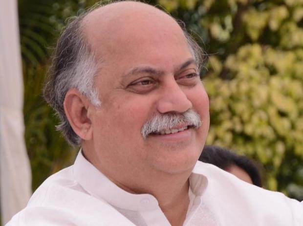 Leader Of Congress Gurudas Kamat Dies At 63