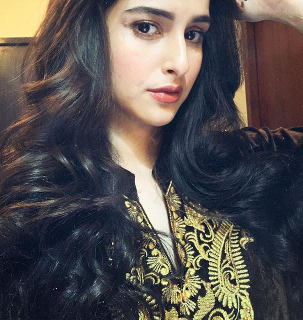 Sadia Khateeb 23