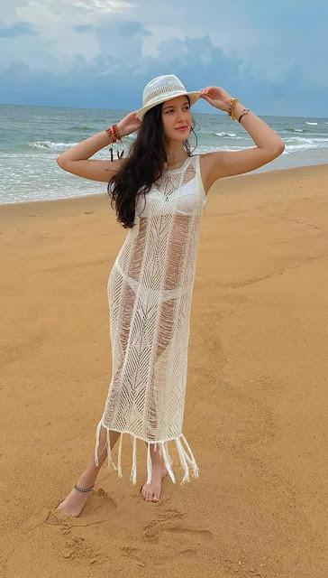 Bikini photos of Shanaya Kapoor Navel Queens