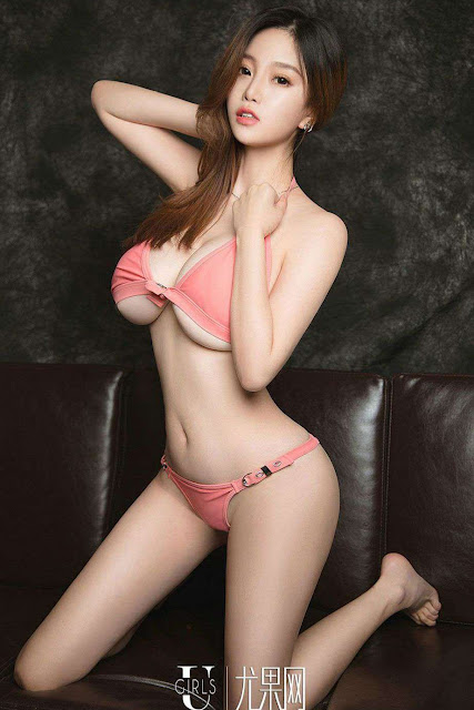 Hot and sexy big boobs photos of beautiful busty asian hottie chick Chinese booty model Meng Shi Duo photo highlights on Pinays Finest sexy nude photo collection site.